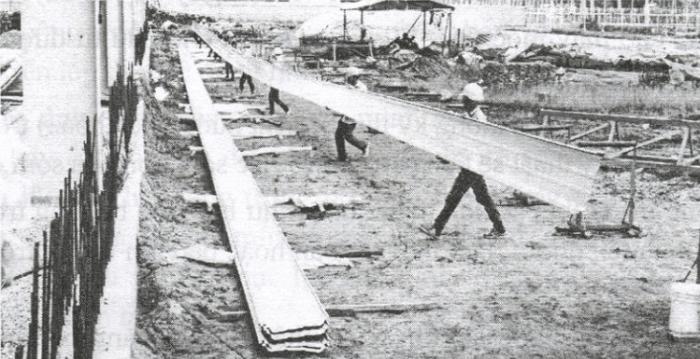 Nhà cung cấp thường mang máy cán tôn di động