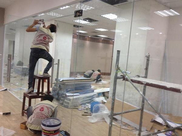 Nhận thi công lắp đặt cửa kính nhà xưởng, văn phòng