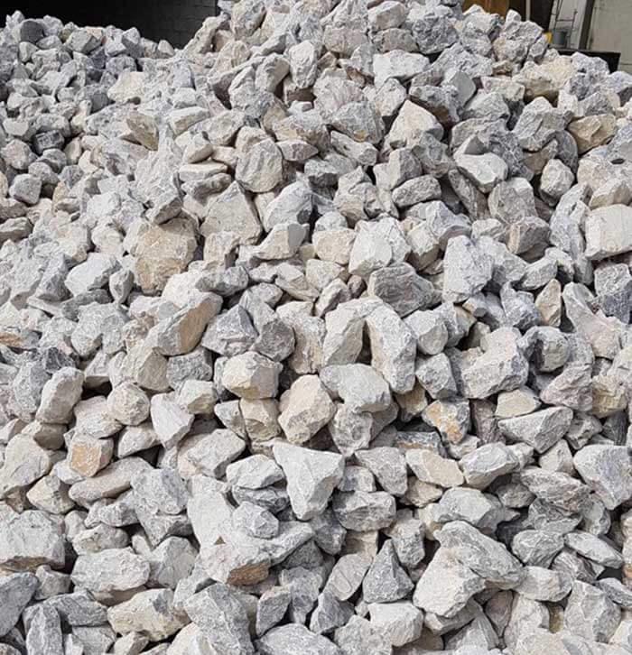 Trong đá vôi, người ta tìm thấy rất nhiều nguyên liệu để sản xuất xi măng